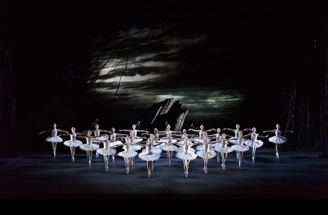 Royal Ballet - Swan Lake - © 2018 ROH. Photograph by Bill Cooper