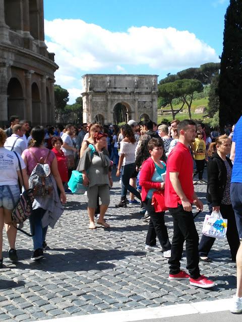 Colosseo e arco di Costantino-Roma