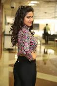 shalu chaurasiya latest sizzling pics-thumbnail-6