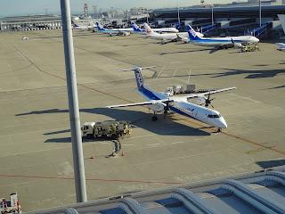 ボンバルディア DHC8-Q400