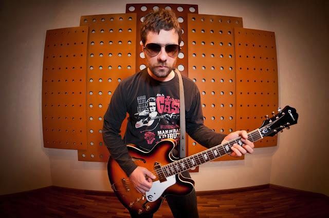 Resultado de imagem para hugo mariutti guitars