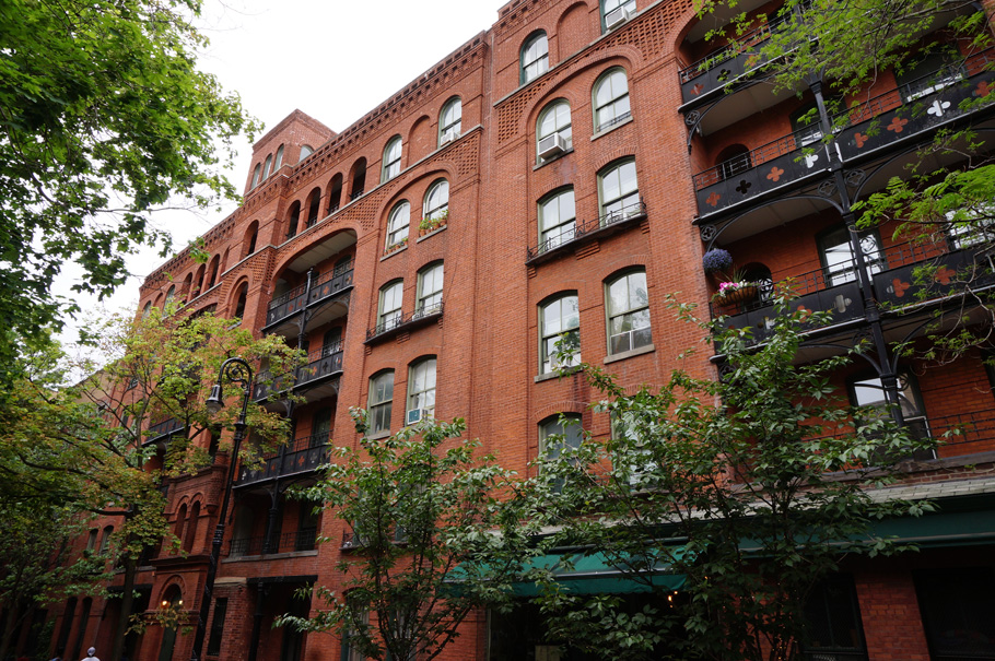 Brooklyn Relics: Riverside Apartments