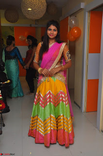 Lucky Sree in dasling Pink Saree and Orange Choli DSC 0321 1600x1063.JPG