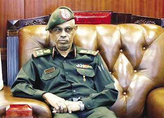 وزير الدفاع السودانى الفريق أول عوض بن عوف