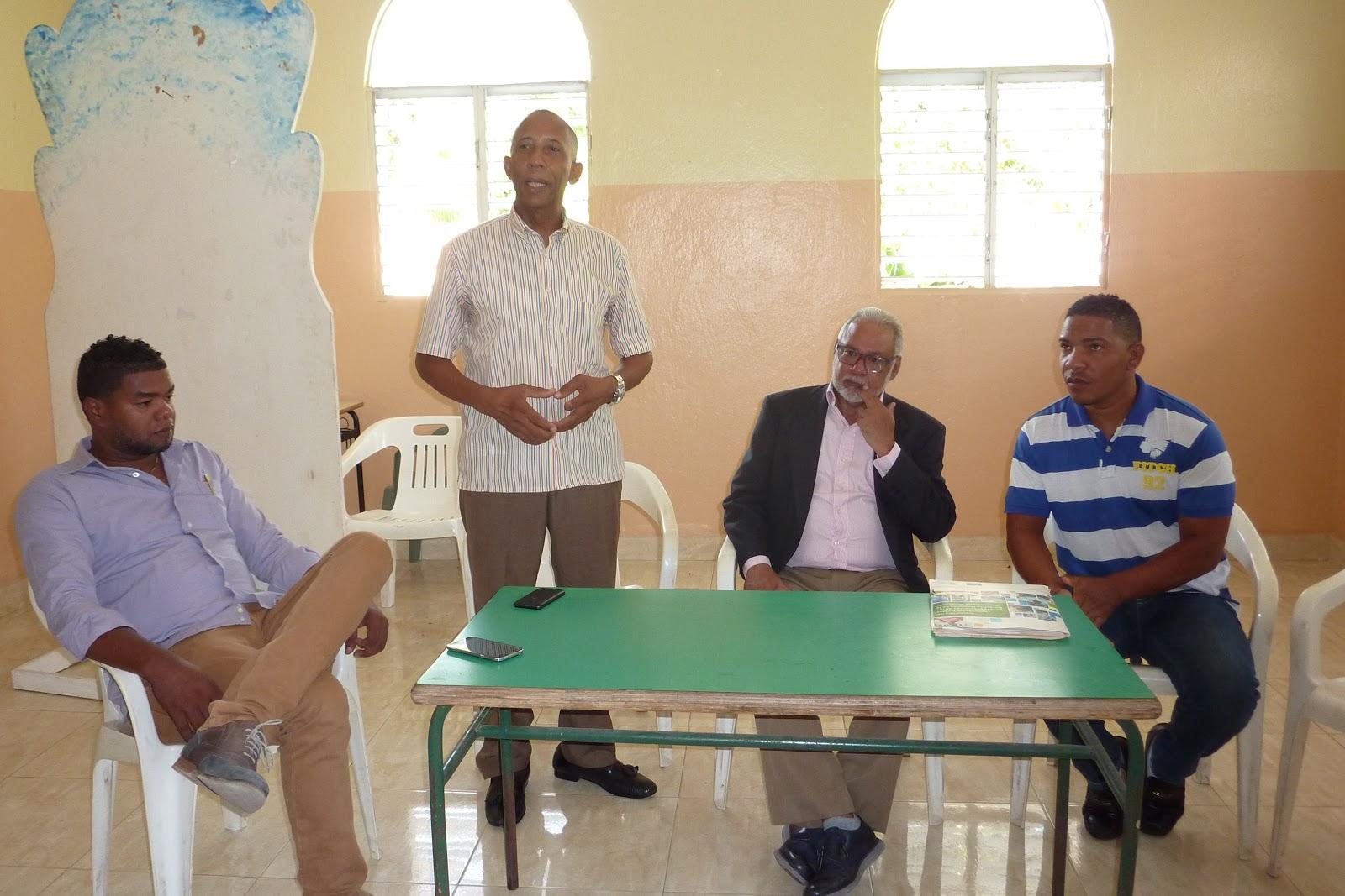 NEIBA: Presidente CNEPR sostiene encuentro con aspirantes a locutores.