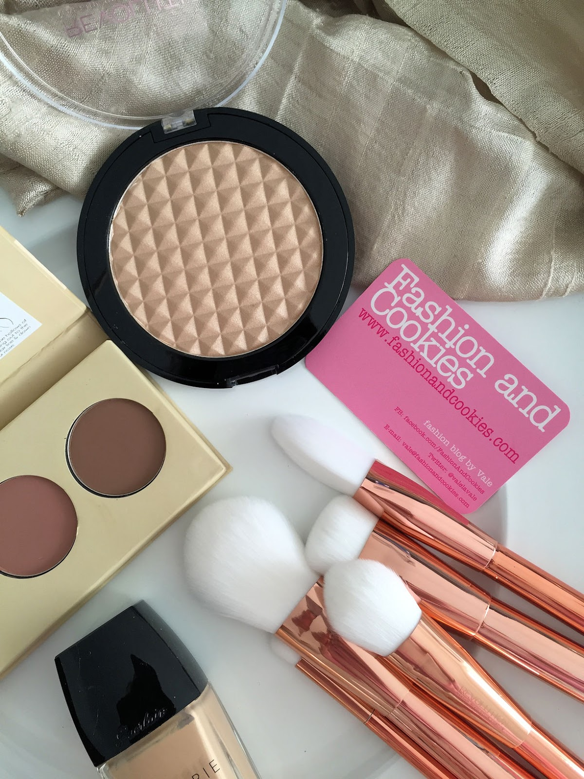 Pro Illuminate Highlighter and Makeup Revolution Ultra Metals Revolution makeup brushes review on Fashion and Cookies beauty blog, beauty blogger