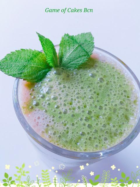 Smoothie verde de menta con vainilla