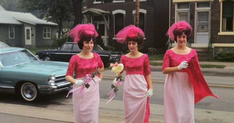 47 Glamorous Photos Show That Bridesmaids From the 1960s Were So Pretty