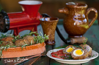 http://nievesdq-dulceysalado.blogspot.com.es/2016/11/huevos-la-escocesa.html