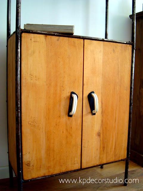 Muebles retro en valencia, armarios y estanterías industriales estilo vintage