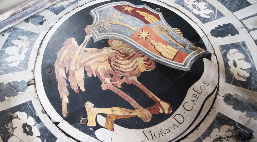 Mors aD Caelos, na Capela Chigi, na Igreja de Santa Maria del Popolo, em Roma.