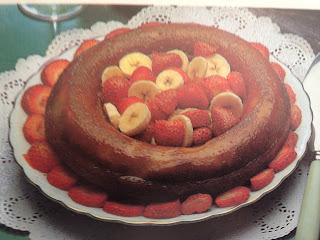 Savarín relleno de frutas