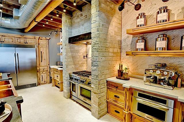 ตู้เก็บอาหารและชั้นวางลายไม้