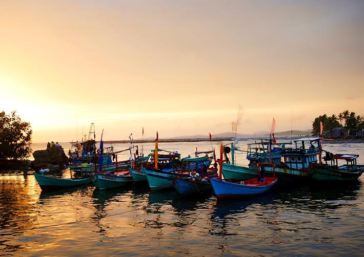 Kết quả hình ảnh cho làng chài Hàm Ninh