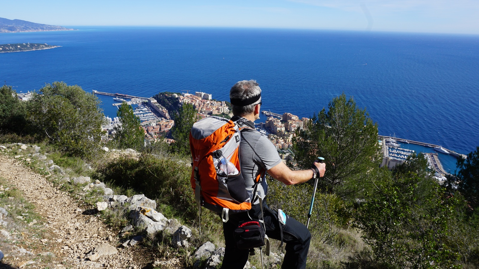 Admiring Monaco from the trail descending from Tete de Chien