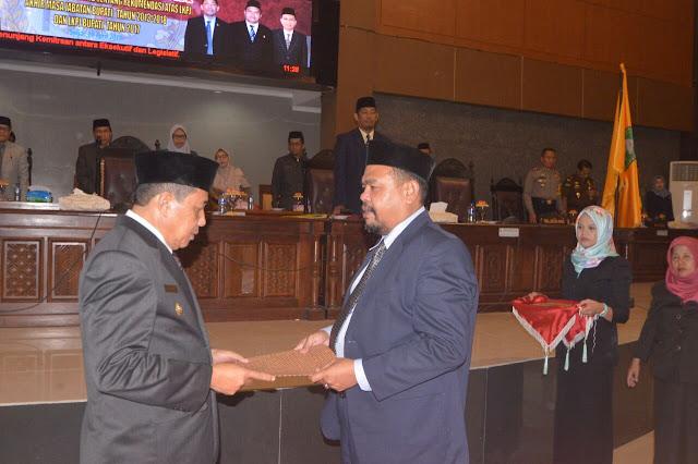 Plt Bupati Sinjai Terima Rekomendasi DPRD Atas LKPJ-AMJ 2013-2018 Serta LKPJ 2017
