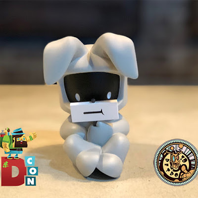 Designer Con 2017 Exclusive Smile Greyscale Edition Vinyl Figure by Juan Muniz x 3DRetro