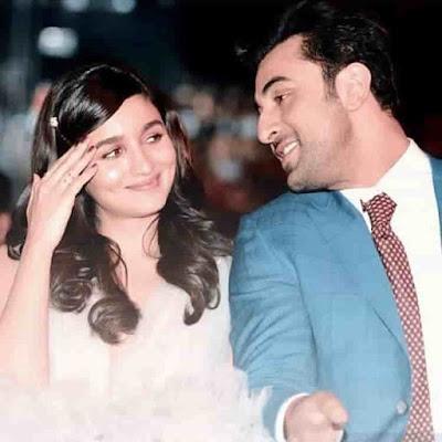 Ranbir Kapoor wishes Alia Bhatt birthday in midnight at surprise home visit