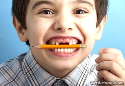 15 thói quen gây hại cho răng của bạn: nhai bút chì