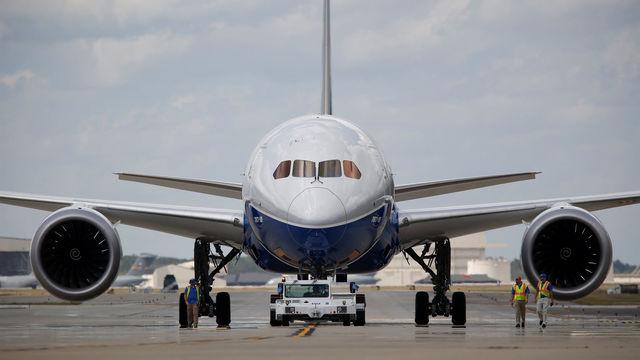 Boeing B787-10