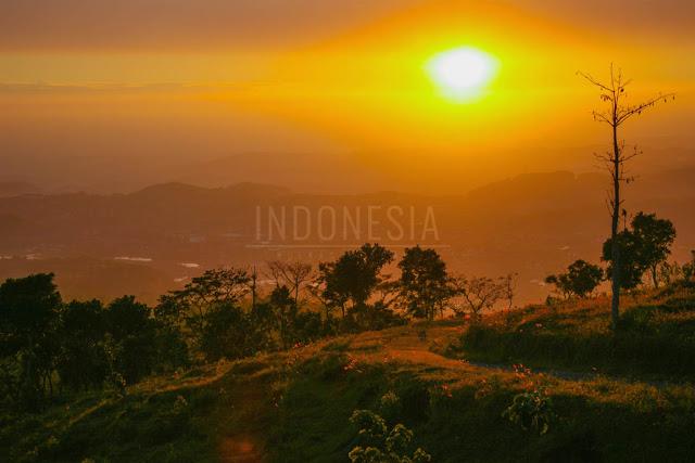 sunrise-puncak-ngipik-lerep