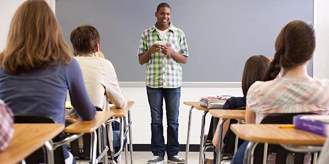 5 Cara Meningkatkan Rasa Percaya Diri Saat Bicara di Depan Umum