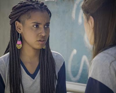 Jaqueline (Gabz) assume para Anjinha (Caroline Dallarosa)