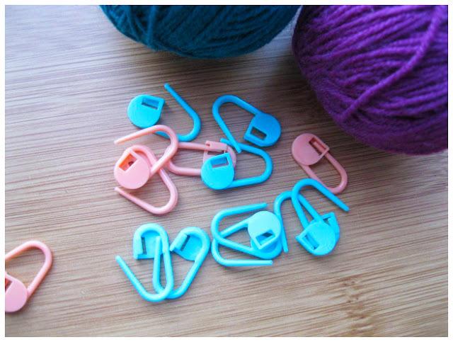 Маркеры для вязания помогут отметить начало раппорта или каймы.