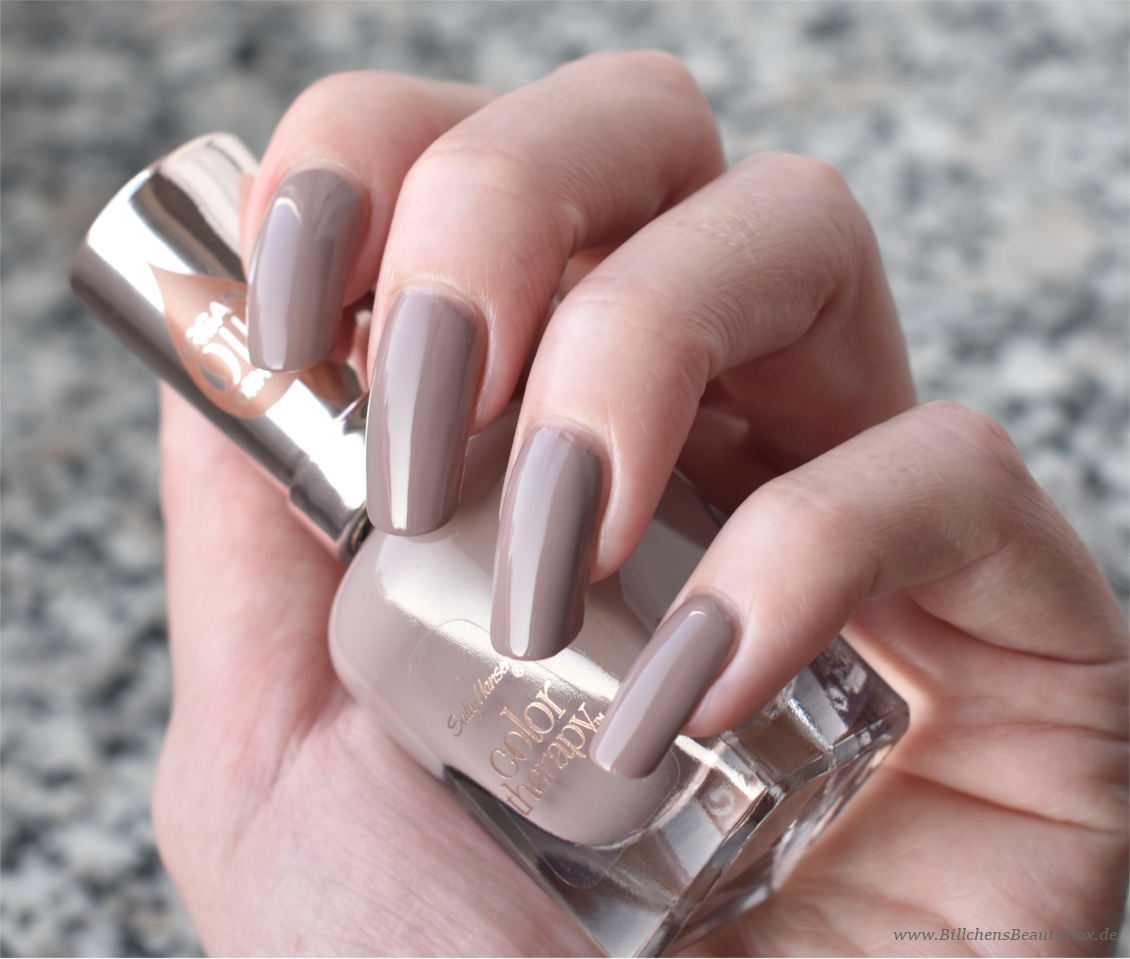 Sally Hansen - Color Therapy - Steely Serene - Swatch & Tragebild