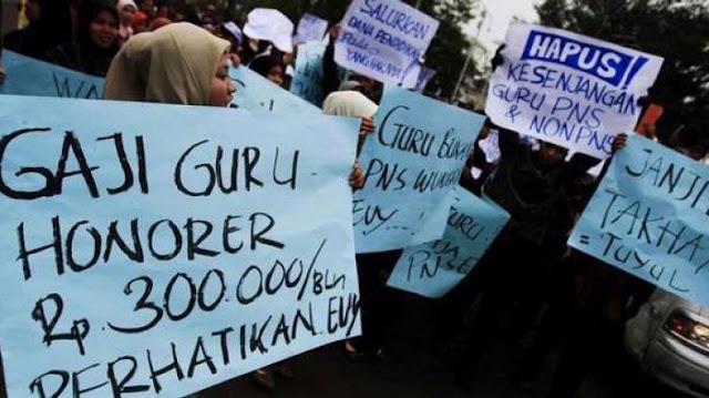 Pemerintah Akan Naikan Gaji Guru Honorer yang Tak Lolos CPNS