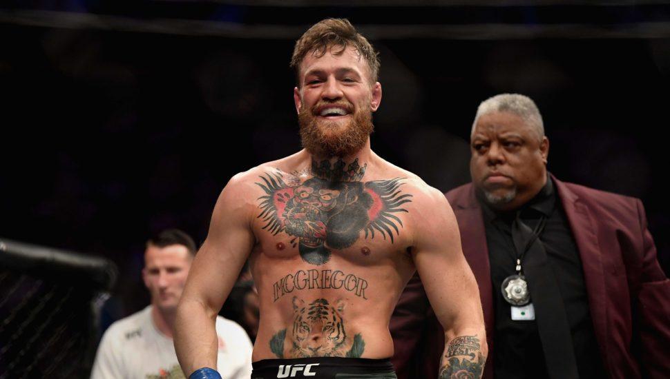 """Conor McGregor publica grande """"teaser"""" sobre possível ida a WWE"""