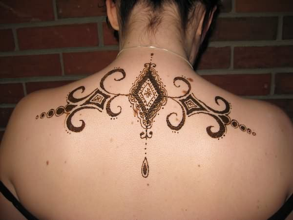Mehndi Back Tattoo Designs : Best henna mehndi tattoos designs for female neck girls back