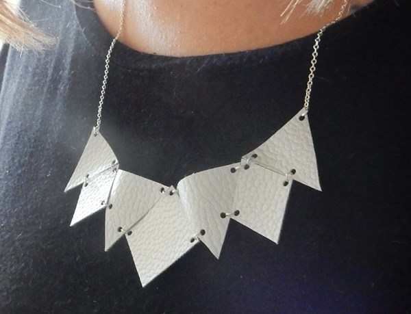 DIY : collier géométrique en similicuir