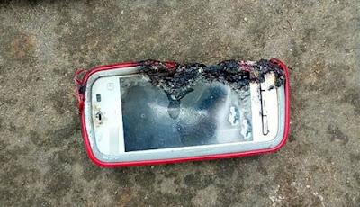 Ponsel cerdas Nokia meledak