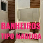 20 banheiros com revestimento imitando madeira