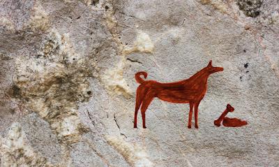 Höhlenmalerei mit gebarftem Hund