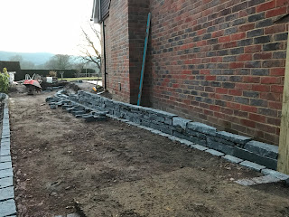 Constructing the black slate walling
