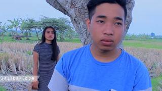 Lirik Lagu Sebet Ordinary Bali