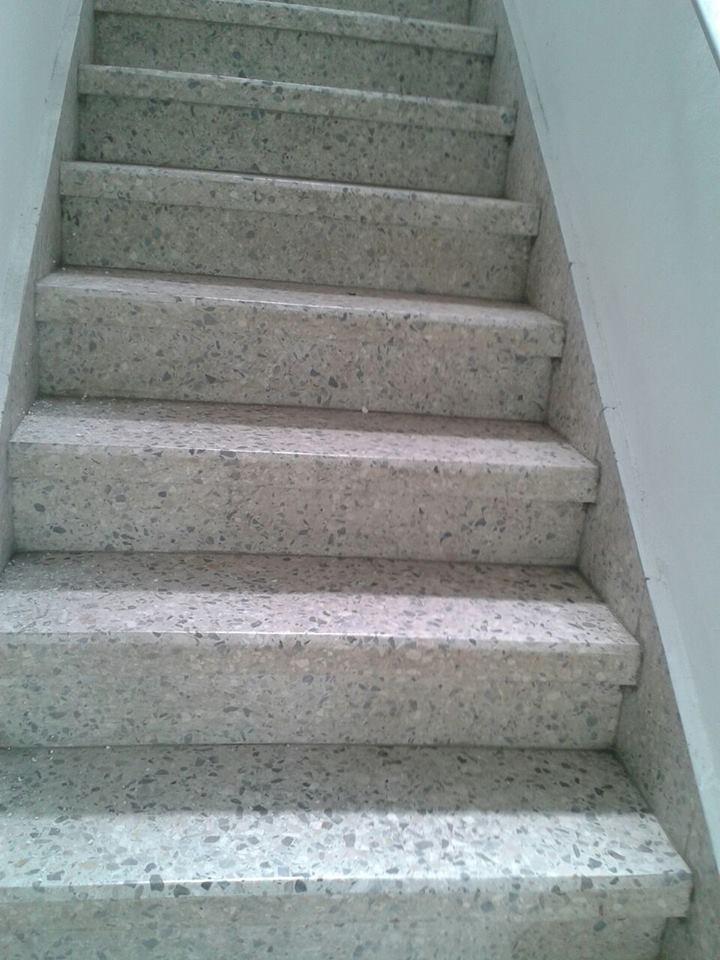 Cleaner dominicana mantenimiento de escaleras brillado for Pisos de granito