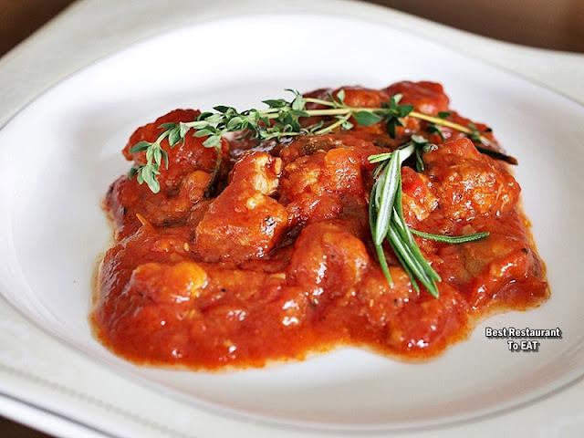 PASSIONE RISTORANTE ITALIANO Menu - Goulash Maiale Con Verdure & Pepperoni  - Pork Knuckle Stew With Vegetable & Red Capsicum
