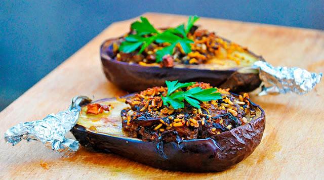 Stuffed Eggplants with Garlic Sauce
