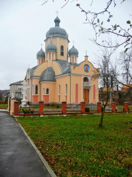 Моршин. Церковь Покрова Пресвятой Богородицы. УАПЦ