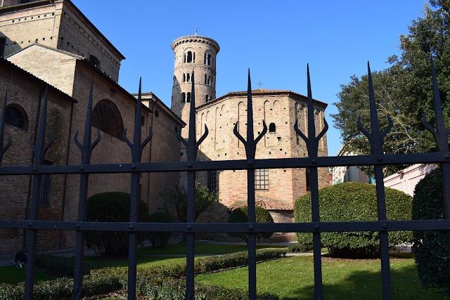 Il Duomo e il Battistero Neoniano di Ravenna