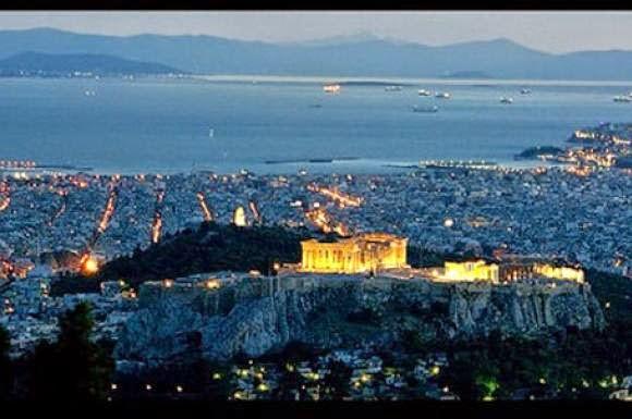 8 λόγοι για να μείνεις στην Αθήνα το καλοκαίρι...