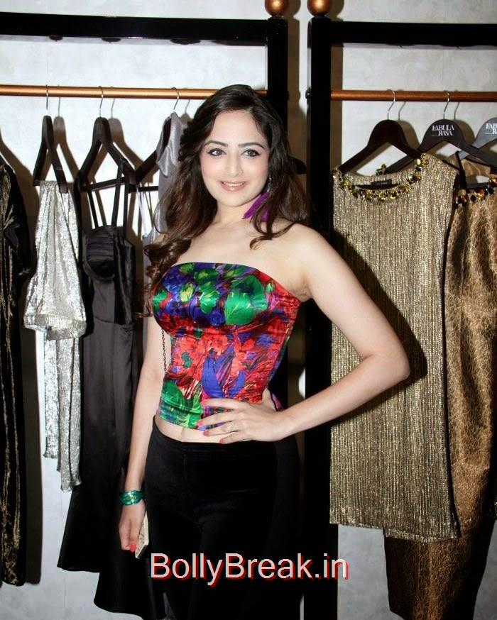 Zoya Afroz, Anindita Nayar, Zoya Afroz Hot Pics At Harsh Gupta's SS15 Collection Preview at Fabula Rasa