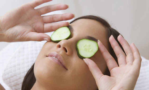 How to get rid of Dark Circles in a Day -  Cucumber