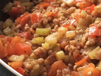 Obiad z kaszy gryczanej i warzyw