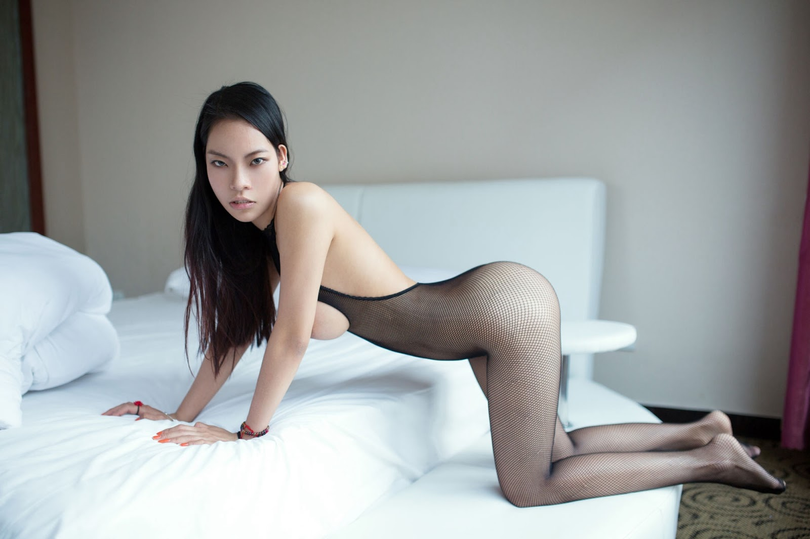 Nude asian in stockings galleries