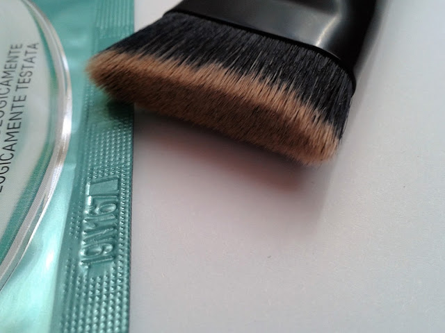 contouring brush catrice