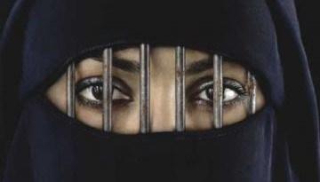 İslam Kadını 2. Planda Mı Tutuyor?
